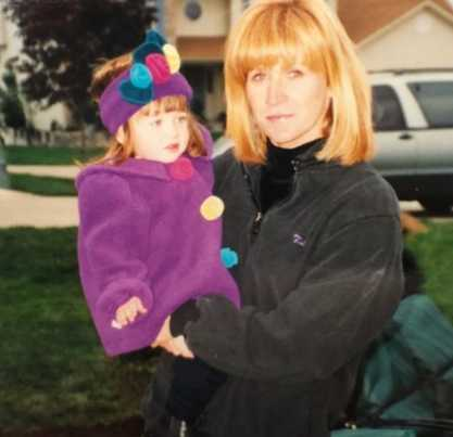 Delaney Glazer Childhood Picture with her mother